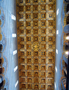The gilded coffered ceiling has shields of the powerful Medici family of the Renaissance era - although they were difficult to pick out among the intricate patterns.  Although they hailed from Florence, the Medicis ultimately took control of Pisa.