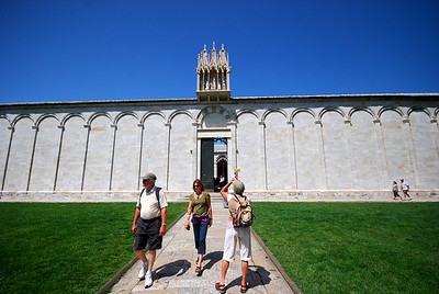 When we toured Pisa in 2007 we paid little attention to the long white building with a nondescript entrance that borders the Field of Miracles.  Then, afterwards, I wondered where the Camposanto Cemetary was.  Turns out that this was it.
