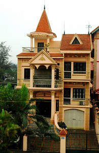 There are grand villas for Hanoi's wealthy...