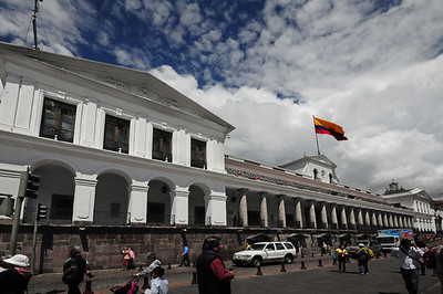 On one side of the plaza is the Palacio del Gobierno where the President of Ecuador carries out his business...