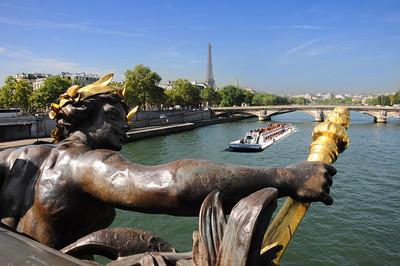 In 52 BC Julius Caesar led his Roman legions up the Seine and overran the Parisii.