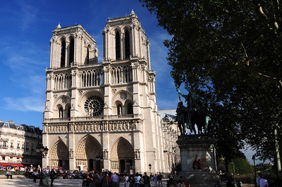 During the Middle Ages, Notre Dame was used as a home for the homeless and as a marketplace.  Trade unions met here, passion plays were performed, and merchants from the Orient sold everything from ostrich eggs to elephant tusks.