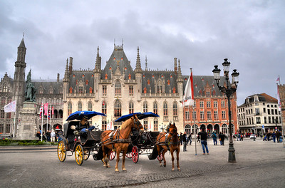 By the 14th century, the city was as large as London and an economic powerhouse.  In the 15th century, while England and France were duking it out in a 100-years war, Bruges remained at peace...and prospered.