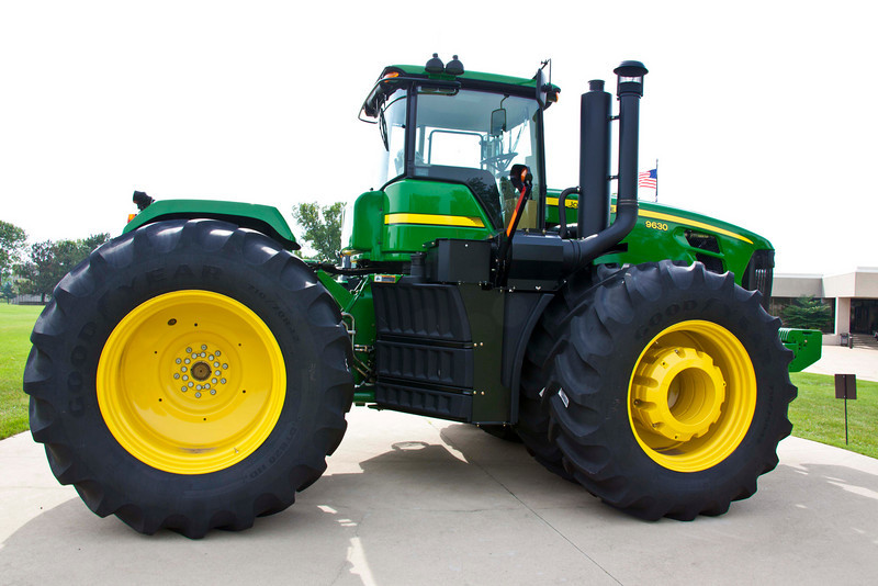 The mudguards contoured around the tires are the deisel fuel tanks, 375 gal. each, two per tractor.