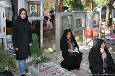 Ir 01_46_Tehran_Behesht-e Zahra