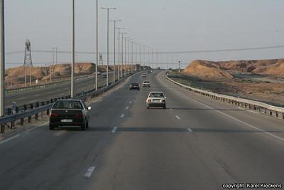 Ir 01_04_autosnelweg naar Qom en Kashan