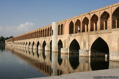 Ir 02_Esfahan_02_Si-o-Seh Bridge