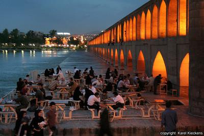 Ir 02_Esfahan_45_Si-o-Seh Bridge
