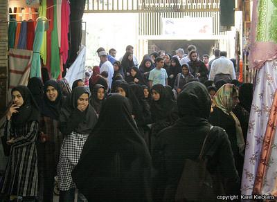 Ir 03_38_Shiraz bazar