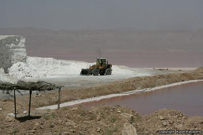 Ir 03_37_zoutwinning aan Lake Bakhtegan