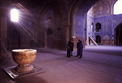 Esfahan-MeidaneEimamLight