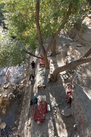 Ganj Nameh:  Looking down from bridge