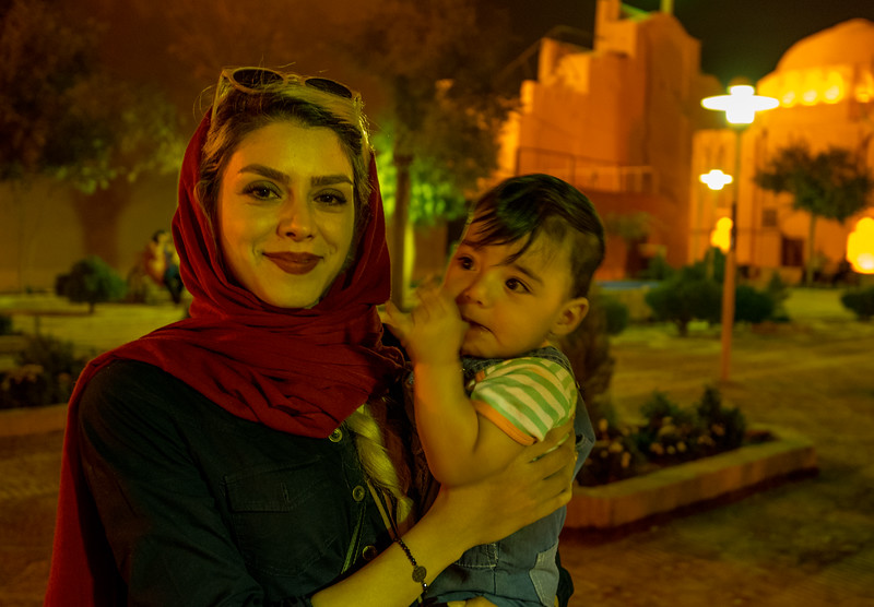 16-11-01__Yazd_portræt_aften-225