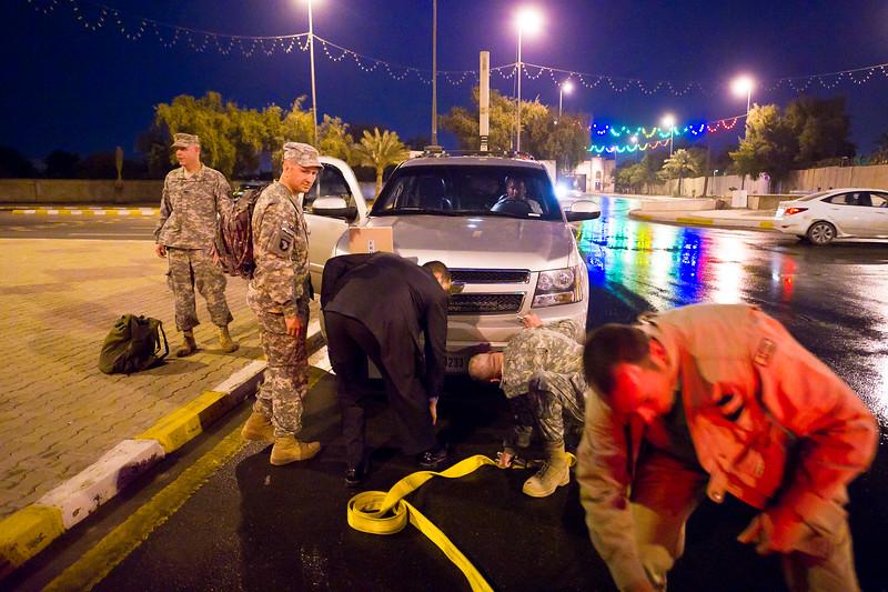 22 DEC 2011 - OSC-I Chief LTG Robert L. Caslen, Jr. and U.S. Army Chief of Staff GEN Raymond T. Odierno in Baghdad, Iraq.  Photo by John D. Helms - john.helms@iraq.centcom.mil.
