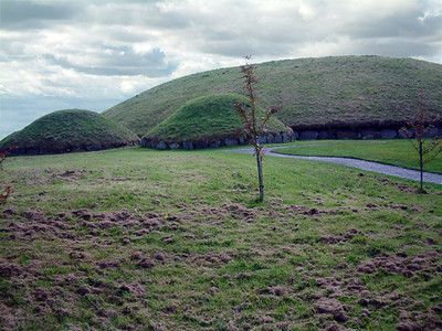 Knowth - Bronze Age bunkers 2