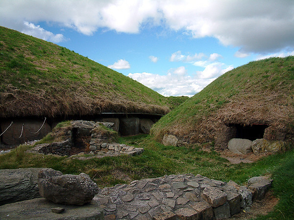 Knowth - Bronze Age bunkers