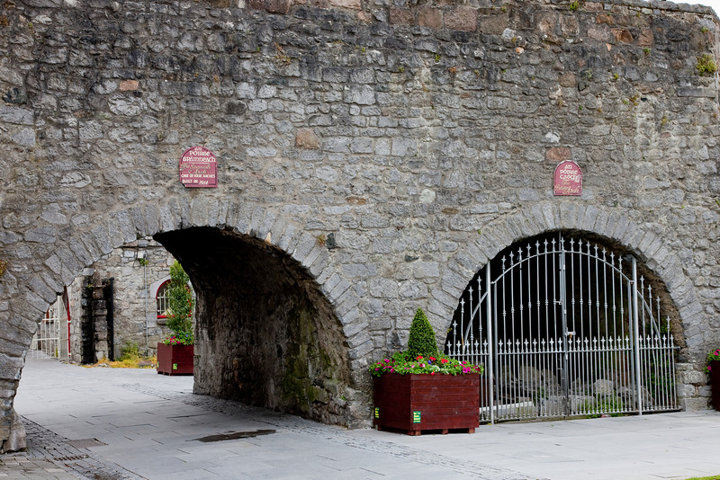 """This is the famous and ancient Spanish Arch.  We were told that Christopher Columbus """"almost certainly"""" studied navigational charts here prior to embarking for the New World."""