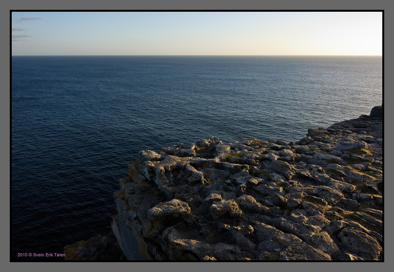 Facing the Atlantic<br /> Cliffs at Dun Aonghasa
