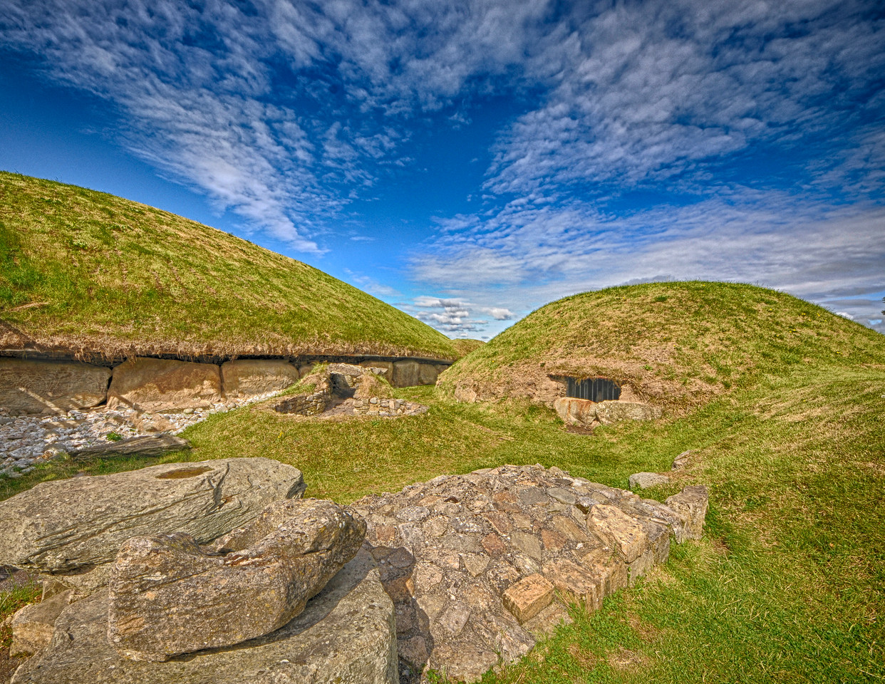 Mesolithic tombs at Knowth, County Meath