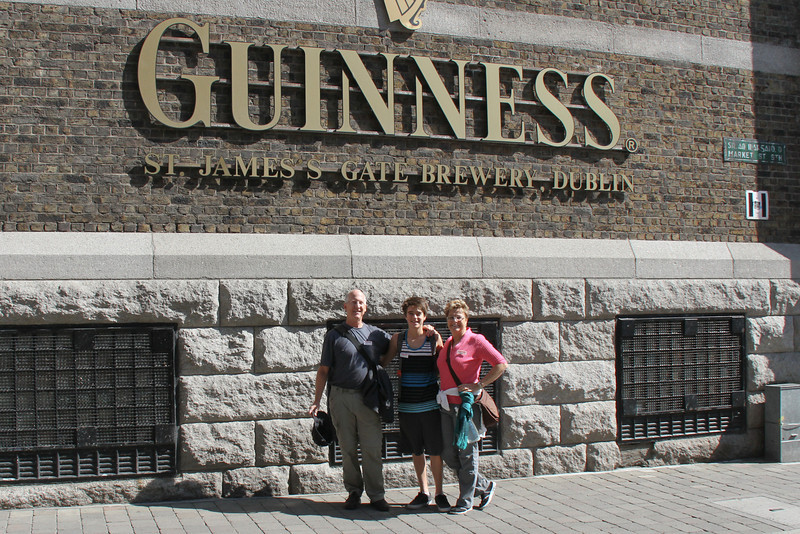 Guinness brewery tour... sorta disappointing.  Got a pint, but we didn't tour the actual brewery, just videos and explanations of the process, then a large gift shop.