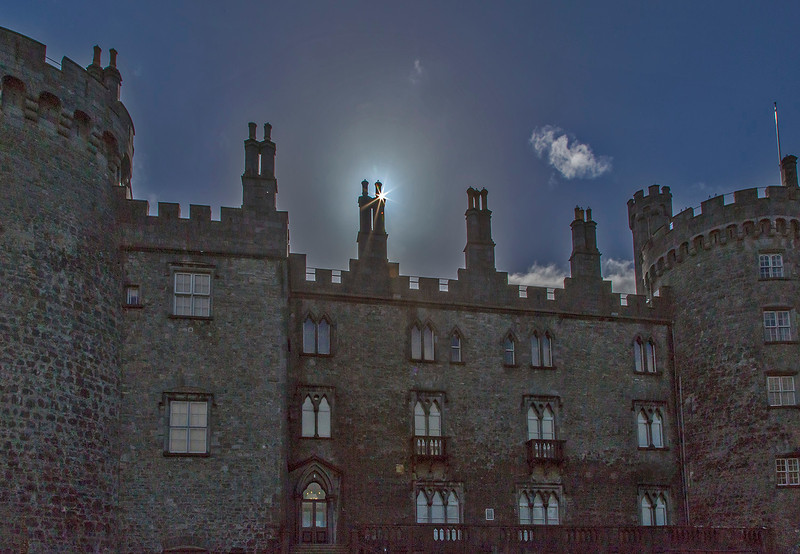 The back of Kilkenny Castle in the morning.
