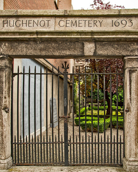 Being of French Huguenot ancestry, I was surprised to find this small Huguenot Cemetery in Dublin.