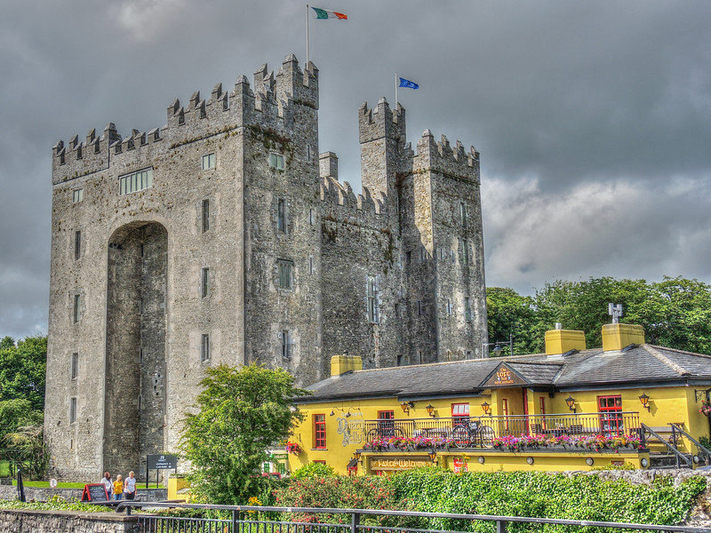 Bunratty Castle and Durty Nelly's pub. County Clare, Ireland