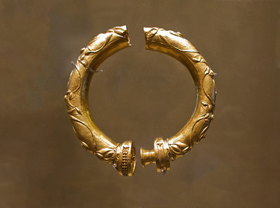 Gold Torc (ca ad 100-200) National Museum, Dublin