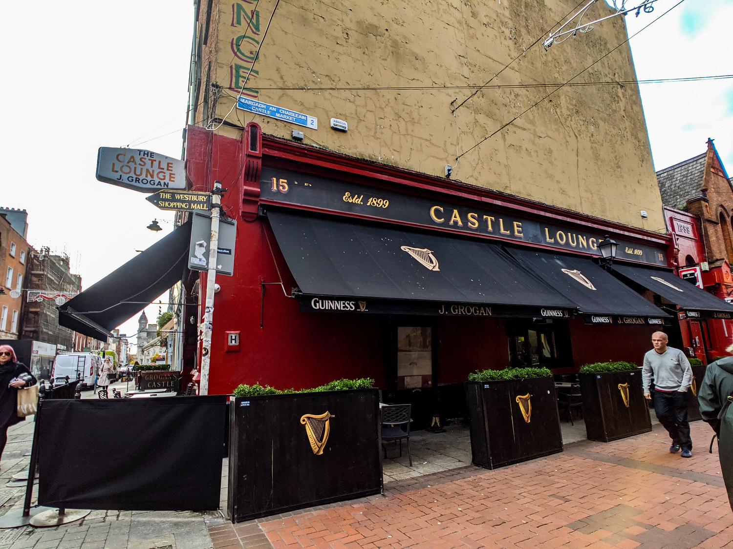Castle Lounge exterior in Dublin Ireland is a local spot everyone called Grogans