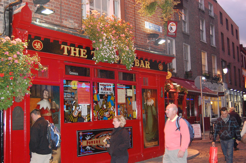 Walking through the Temple Bar District.