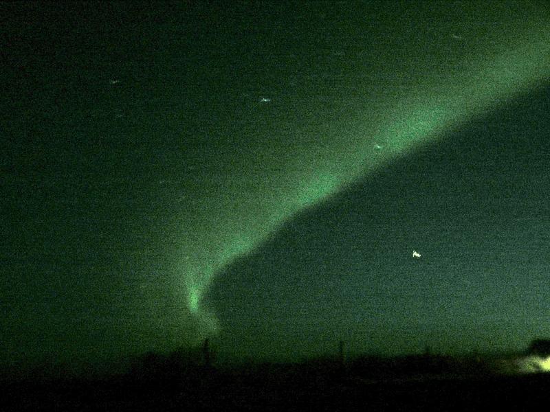 Aurora boreal, que no pudimos to,ar bien pues nos quedamos pasmados mirando y cuando quisimos hacer la foto nos quedo poco tiempo para los preparativos.