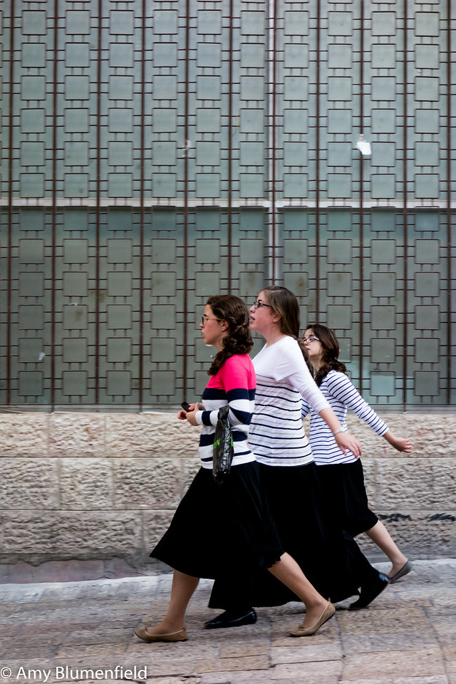 Orthodox girls, Jerusalem