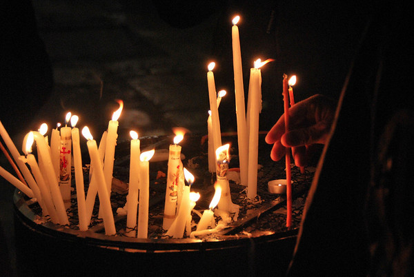 Remembering - Church of the Holy Sepulchre, Jerusalem (c) Daniel Yoffee