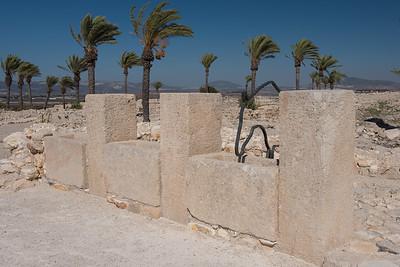 Mangers, Tel Megiddo