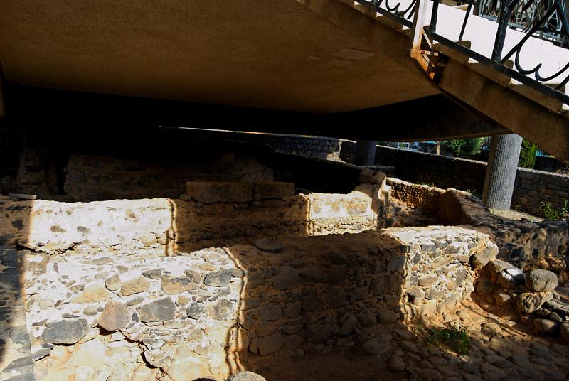 igreja primitiva construída em cima da casa de Pedro