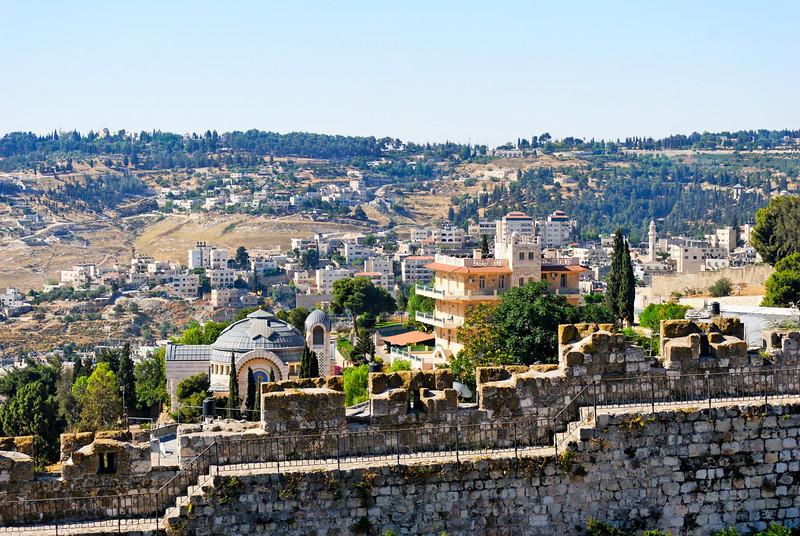 Muralha de Jerusalem, vendo-se por trás o monte de Sion.