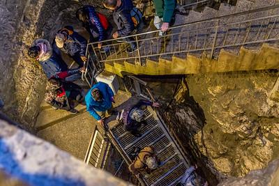 Descida pelo túnel de Ezequias, até ao Monte Carmelo, local onde o profeta Elias venceu os profetas de Baal