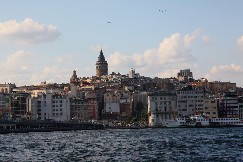 Here you see the famous Galata tower. In old times it was used as a fire-watchout.