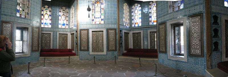 One of the beautiful examples of Bursa tilework in Topkapi Saray in Istanbul.