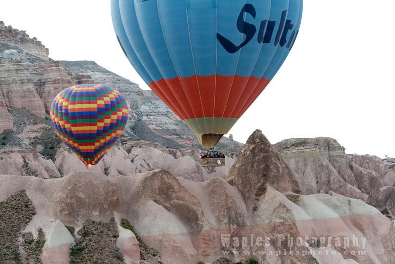 Ballooning over amazing landscapes
