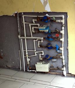 Very creative (dodgy?) plumbing.