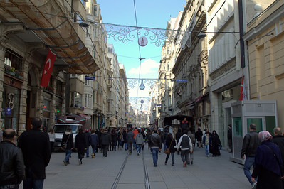 Busy day on İstiklal Avenue.