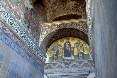 Donation mosaic; Constantinople with his city (left), Justinian with the original Hagia Sophia.