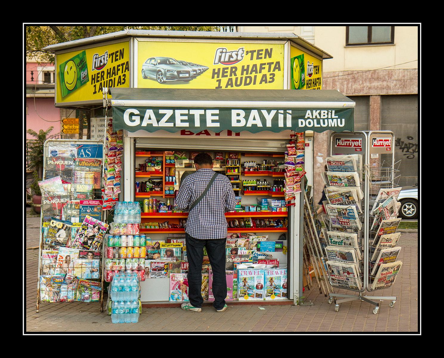IMAGE: https://photos.smugmug.com/Travel/Istanbul/i-k2JXTKB/0/b50e7c1c/X3/News%20Stand-X3.jpg
