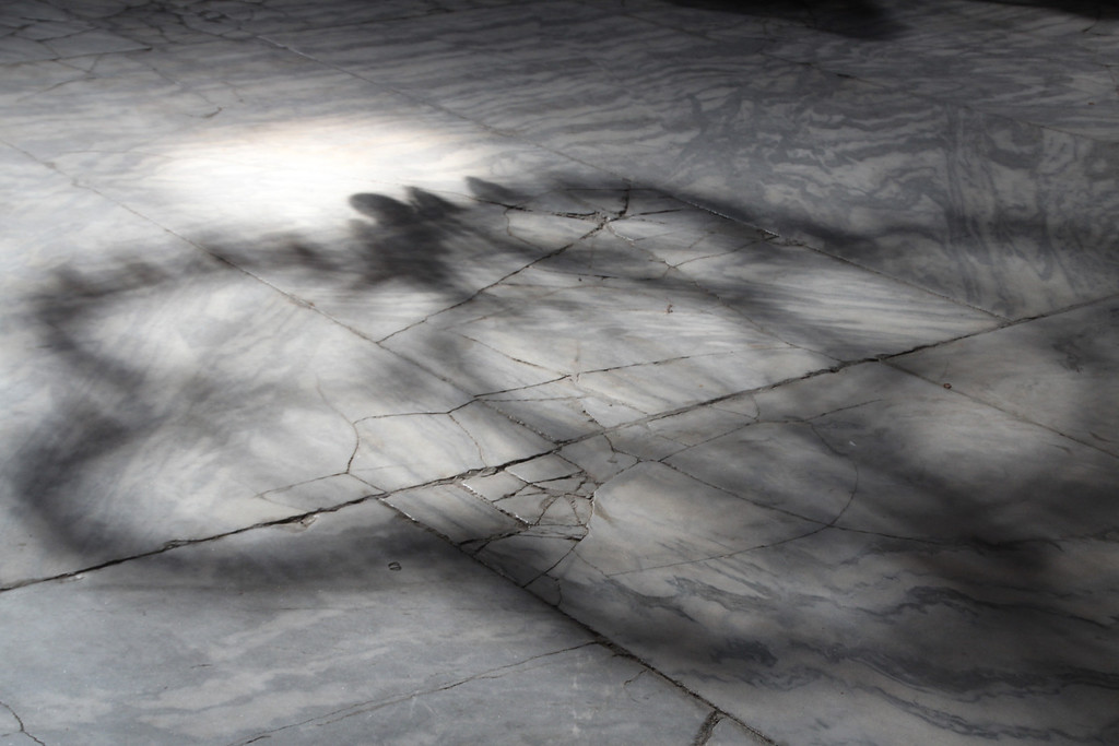 Haghia Sophia lamp shadows