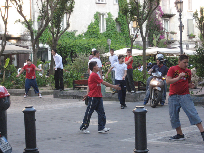 Pick-up soccer, Piazza Bellini, Naples