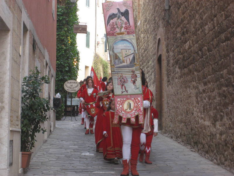 Children's parade, Quartiere Castello, San Quirico.