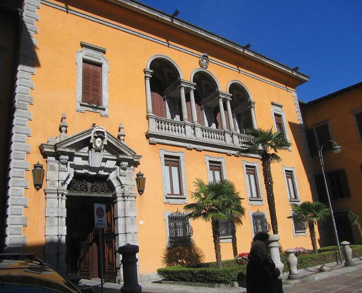 A pretty orange building in Como