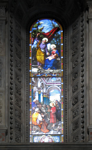 A third stained glass window, Como's Duomo (blurred)