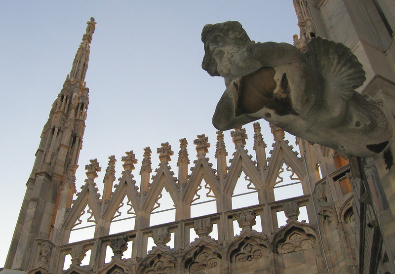On top of Duomo di Milano - Statue 'flying', tower